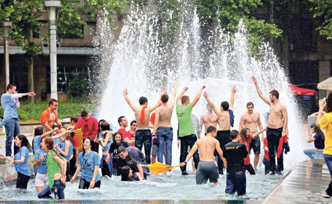 Maturanti u fontani