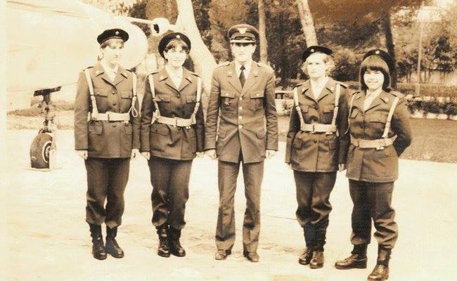 Prve žene piloti u SFRJ